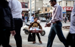 headlineImage.adapt.1460.high.syrian_children_cigarettes.1452546430817
